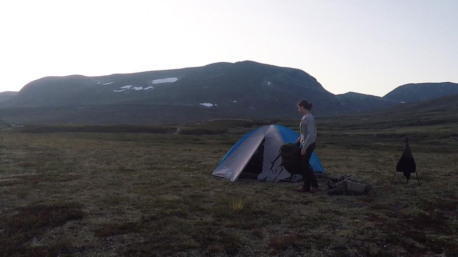 Tienda-campaña-en-Tundra-Noruega-bog900